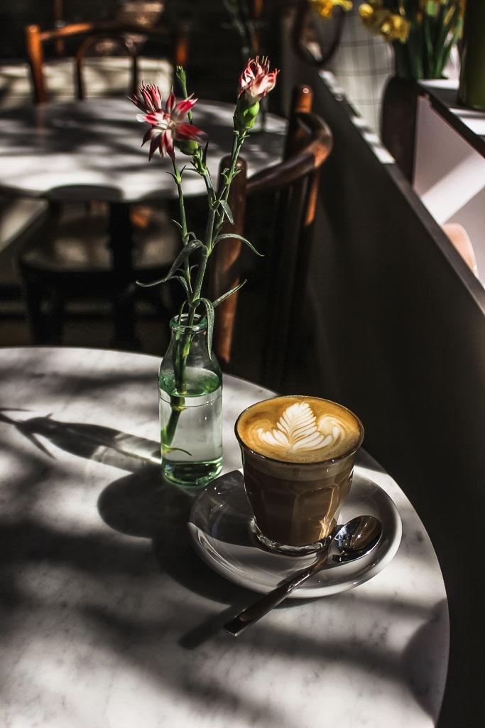 Max & Nora Südstadt Koeln Cafe