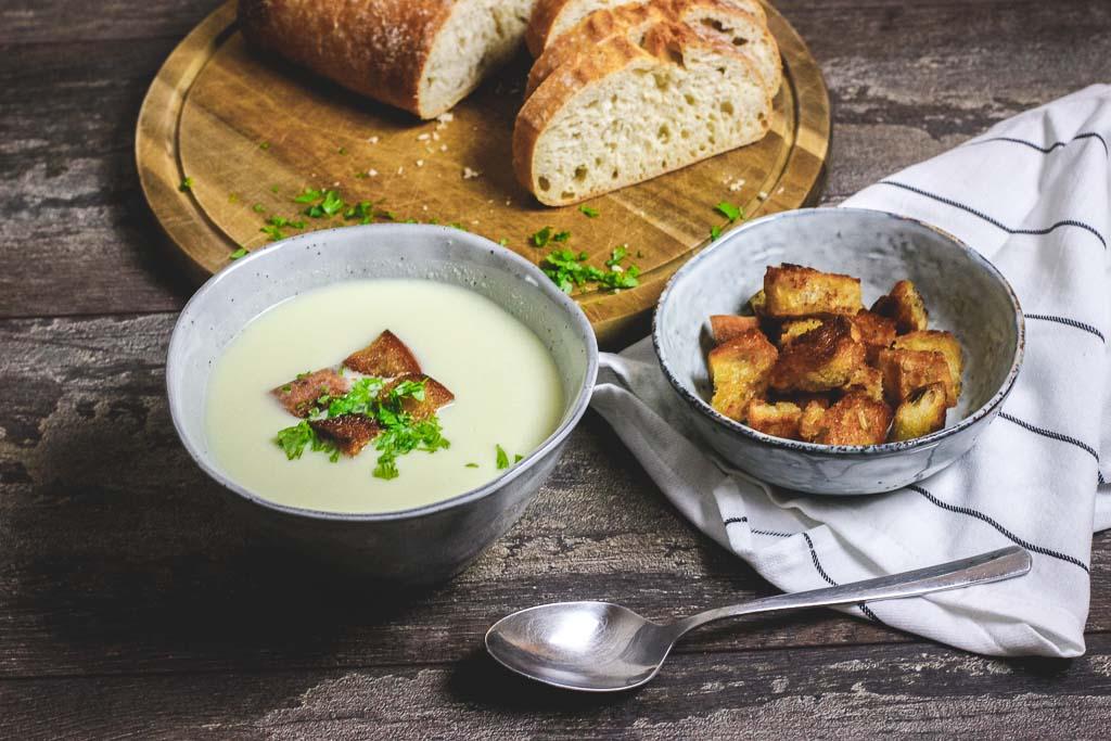 Vegane Sellerie Apfel Suppe